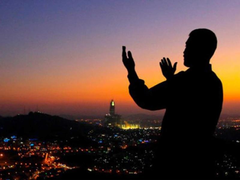3 Waktu di Bulan Ramadhan Paling Mustajab Dikabulkannya Doa