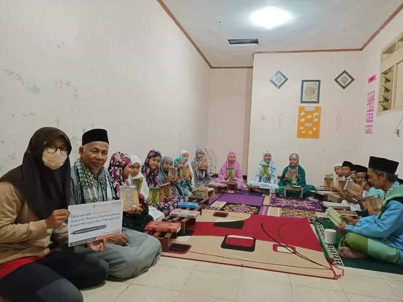 Aksi Tebar Al – Qur'an Nusantara Sambangi Anak – Anak Tahfidz Cianjur