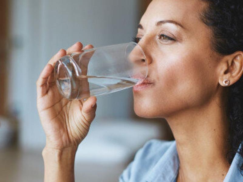 Cara Tepat Siasati Kebutuhan Air Minum Selama Puasa