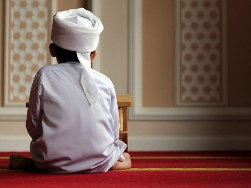 Ramadhan Tiba, Ini 3 Amalan Ringan yang Bisa Diajarkan pada Buah Hati