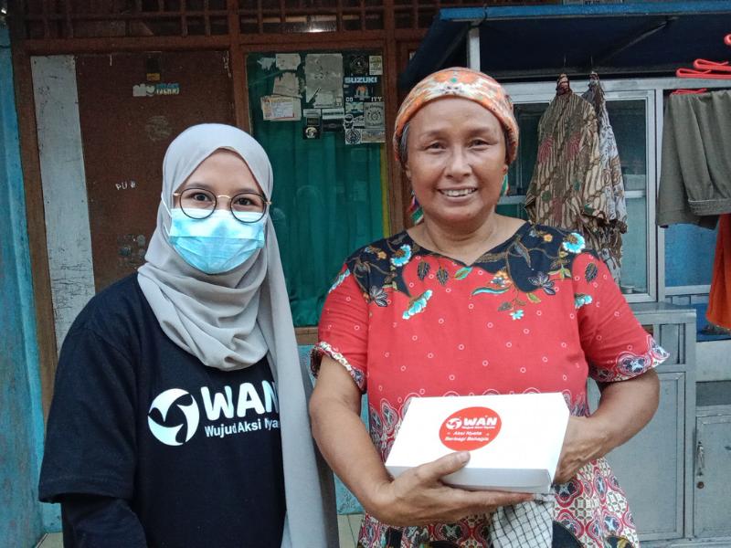 Manfaatkan Keberkahan Ramadhan, Relawan Komunitas WAN Sebarkan Paket Bantuan 'Santap Sehat'