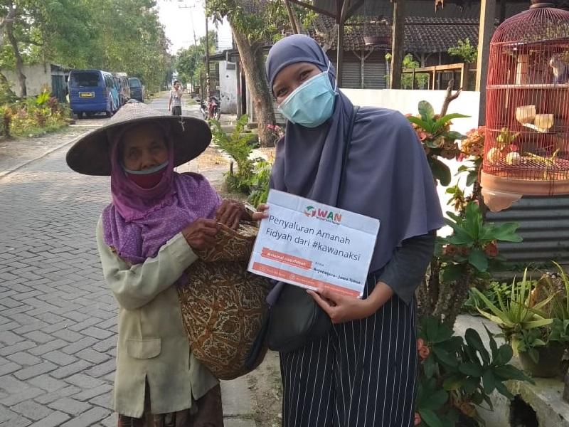 Komunitas WAN Salurkan Dana Fidyah II dan Aksi Tebar Makanan Nusantara Di 3 Daerah Berbeda