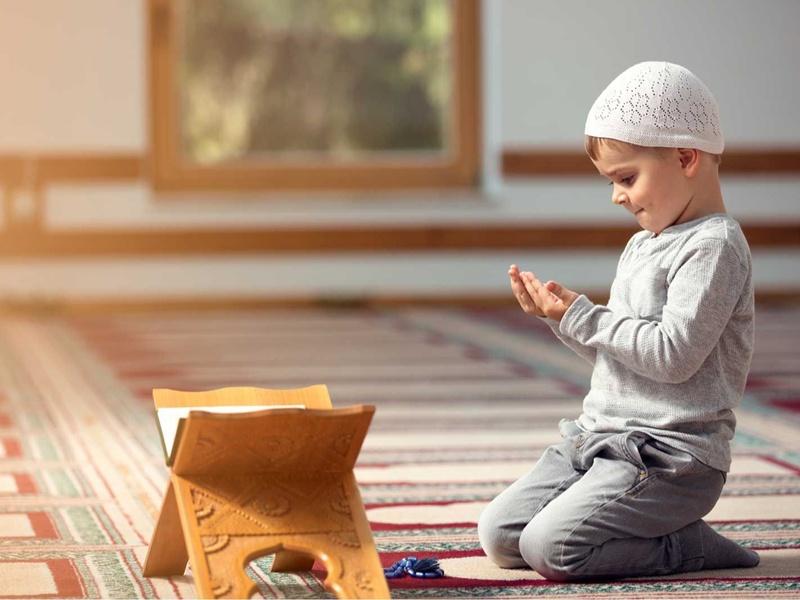 Cara Mudah Perkenalkan Konsep Doa Sedini Mungkin pada Anak
